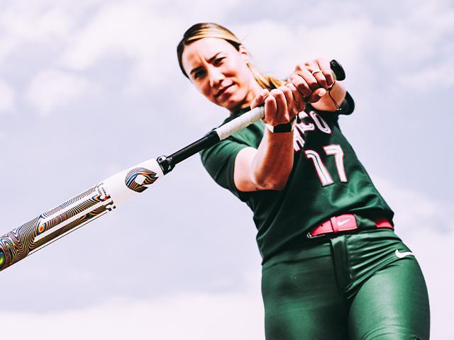 Mexico-Softball-Shortstop-Anissa-Urtez-DeMarini-Fastpitch-Bat